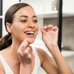 how to floss correctly - savina dental clinics Malta and Gozo