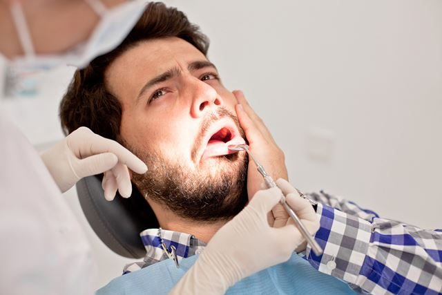 Abscessed Tooth: Symptoms, Causes, Diagnosis, and Treatment - savina dental clinics malta and gozo