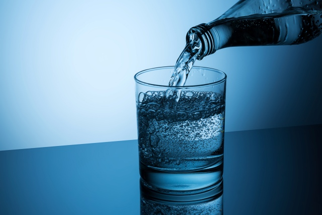Carbonated water vs. mineral water which is better for your teeth Savina Dental Clinic