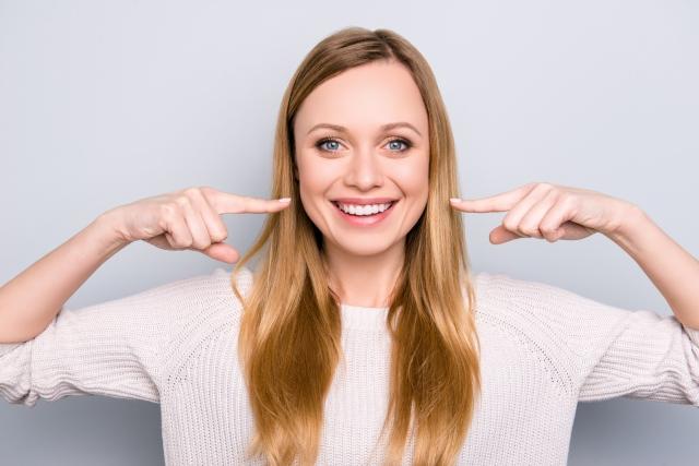 Veneers Vs Crowns - Pros and Cons of Each - Savina Dental Clinics